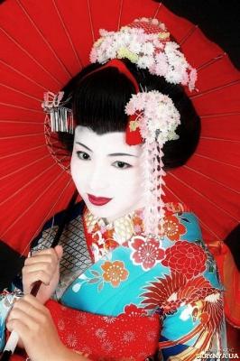 В Японской традиции принято гармонично сочетать тонкую взаимосвязь красоты и здоровья, и не только внутренней красоты, но и внешней, а также внимательно следить за своим здоровьем и внешностью