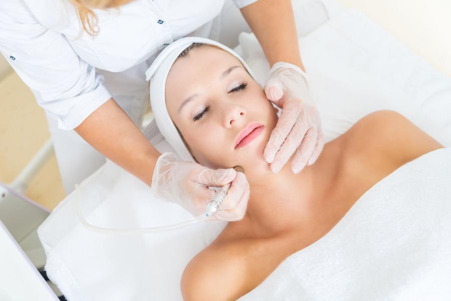 La Mente профессиональная клеточная терапия в сочетании с аппаратной косметологией